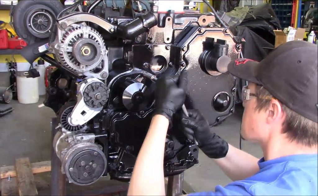Водяные и масляные насосы для двигателя